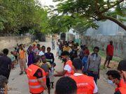 "Photos: ""Who is Hussain?"" volunteers in Mombasa, Kenya providing breakfast to homeless"