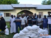 "Photos: ""Who is Hussain?"" volunteers in Zanzibar, Tanzania distribute 660 ration bags in two villages in Ramadan"